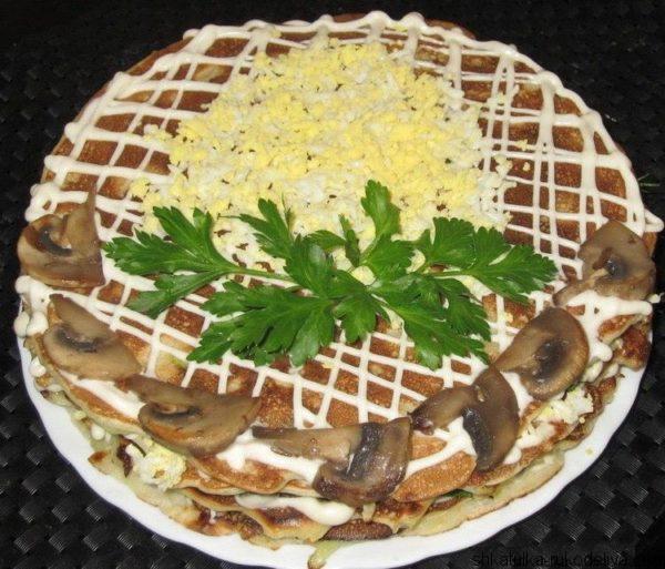 Блинно-капустный торт с грибами