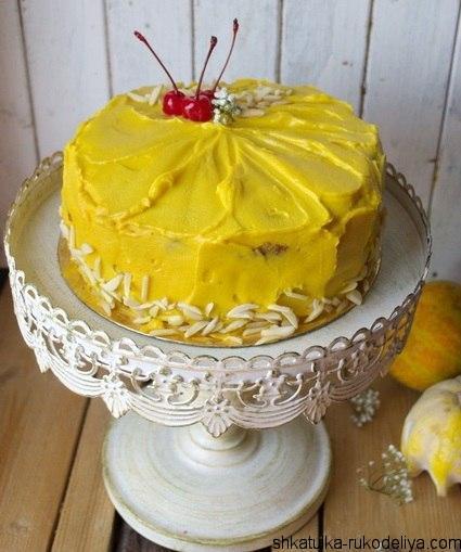 Тыквенный торт с пряным яблоком и манго
