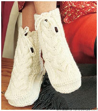 Носки-сапожки с косами