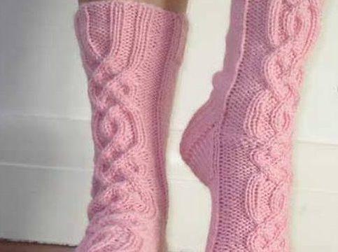 вязание спицами, носки, схема, розовые, рельефные
