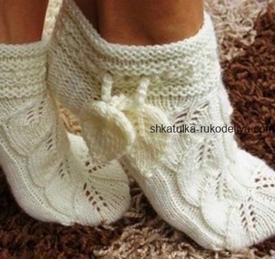 вязание спицами, носочки, схема, белые, описание, для женщин, узор листья