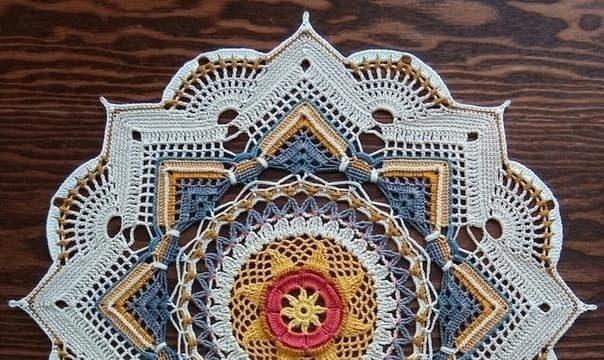 вязание крючком, салфетка, круглая, разноцветная, схема, для дома, ажурная