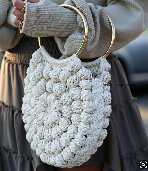 вязание крючком, сумочка, модная, схема, узор попкорн, короткая ручка
